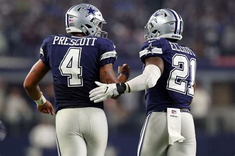 Cowboys become 1st team to clinch playoff berth in 2016