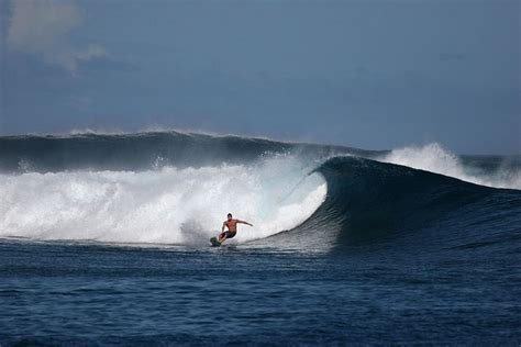 5 Most Epic Surfing Spots in the World - Traveleering
