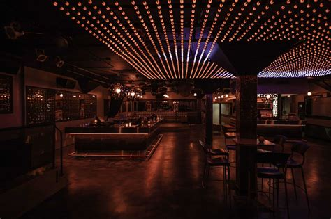 Le Rouge Bar | Best Nightclubs in Montreal 2020 | MontrealX