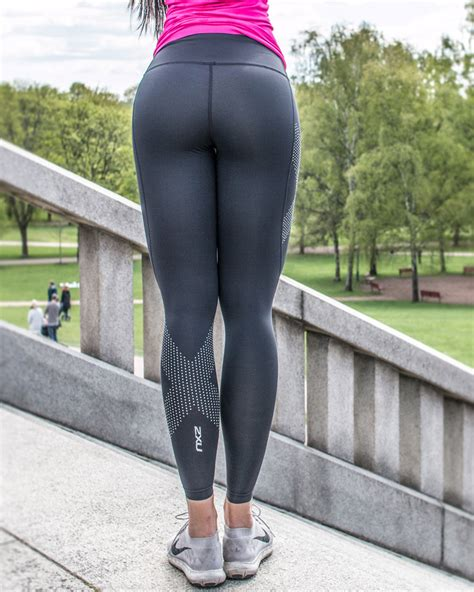 2XU Mid-Rise Compression Tights Womens Black/Dotted