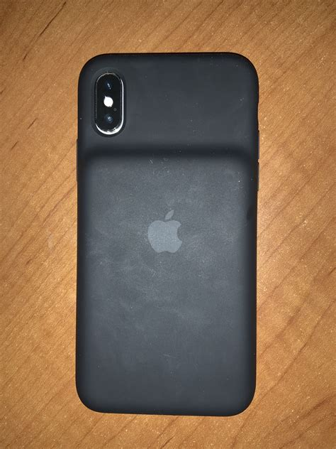 Smart Battery Case for iPhone XS Appears to Be Compatible