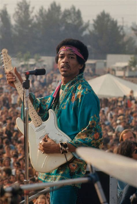 Jimi Hendrix and the Art of Beautiful Protest – The Leftorium