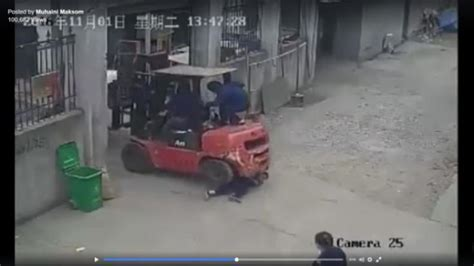 Shocking video shows forklift almost toppling, before