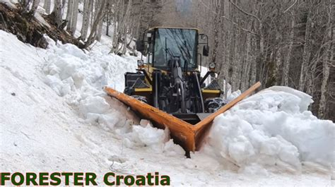 Extreme snow plowing in Croatia – Canvids