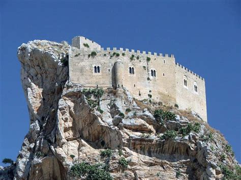 The beauty and mystery of the Castle of Mussomeli