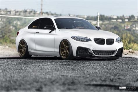 Kompakter Sportler - BMW F22 M235i auf VMR Wheels