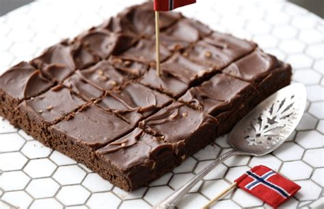 Norwegian Chocolate Sheet Cake - Passion For Baking :::GET