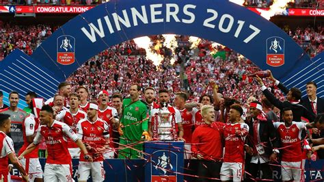 Aaron Ramsey winner downs 10-man Chelsea in FA Cup final