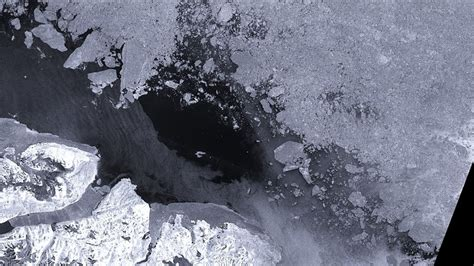 The Arctic's oldest, thickest sea ice is 'breaking up' for