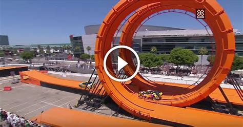Giant Hot Wheels Track Got Tested By REAL-LIFE Racing Cars