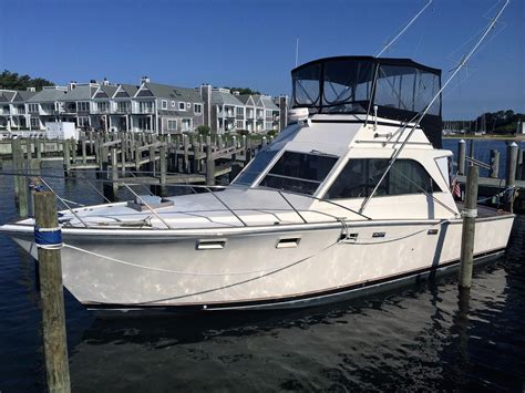 1973 Pacemaker 36 SF Power Boat For Sale - www
