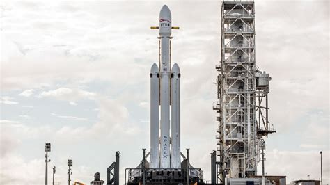 Most powerful rocket SpaceX Falcon Heavy ready for launch