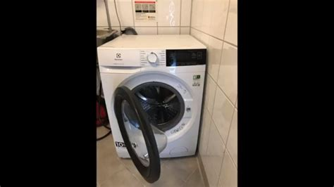 Electrolux PerfectCare 800 test - YouTube